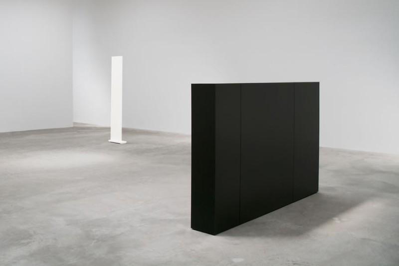 Anne Truitt, '62-'63 (installation view). Image courtesy of Matthew Marks Gallery (1)