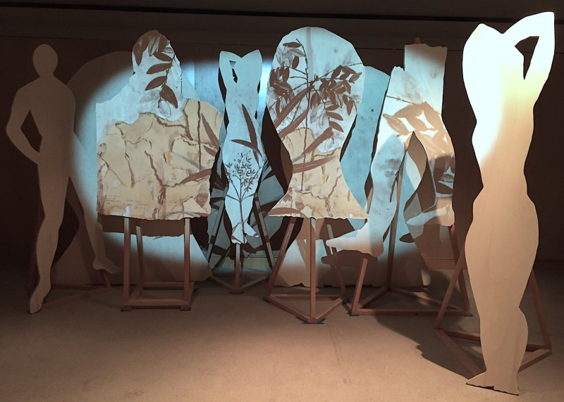Stas Orlovski, Composition with Figures and Mirror (2015). Wood, stop-motion animation and sound, dimensions variable. Courtesy of the artist and Young Projects.